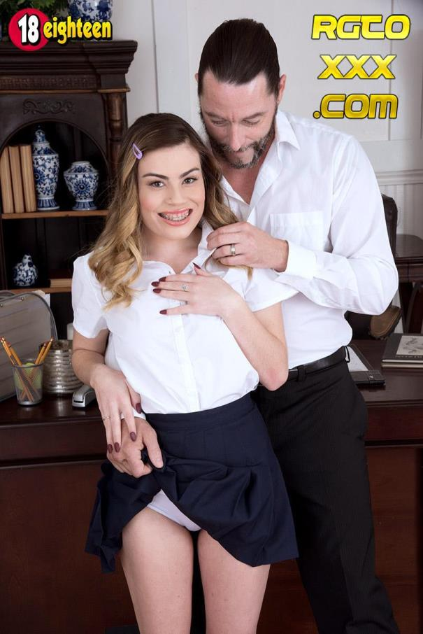 Veronica Valentine [PornMegaLoad.com] A Hard Time At School [2018/FullHD]