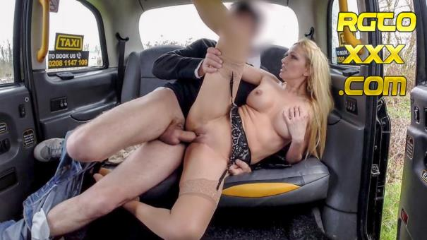 Amber Jayne [FakeTaxi.com] Driver gets more than a flash [2018/FullHD]