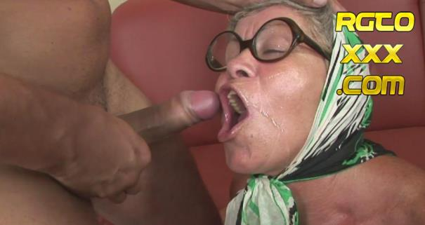 Amateur [GrandMams.com] This old lady loves the taste of cum [2018/FullHD]