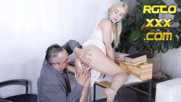 Effy Sweet [TrickyOldTeacher.com] Teacher gives sweet blonde a private sex lesson [2018/SD]