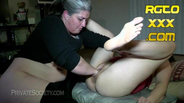 Amateur: Two Mamas Getting Down [2019/HD/PrivateSociety]