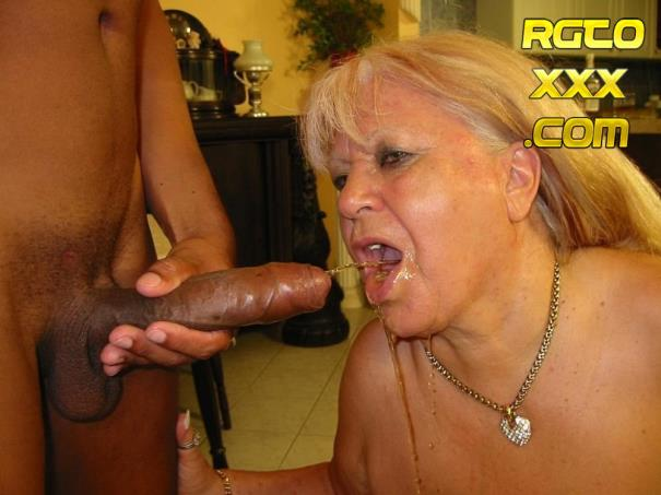 Dolly: Slut Euro BBW granny fucked by Tony on casting [2019/SD/Tuttifrutti]